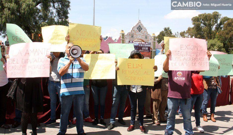 Hasta en el martes ciudadano de Barbosa tianguistas de Texmelucan arman pleitos