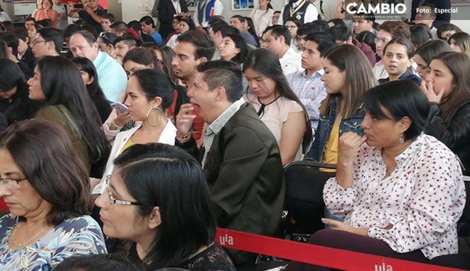 Bostezos y aburrimiento, así se vive el debate ente los candidatos a Casa Puebla en la Ibero