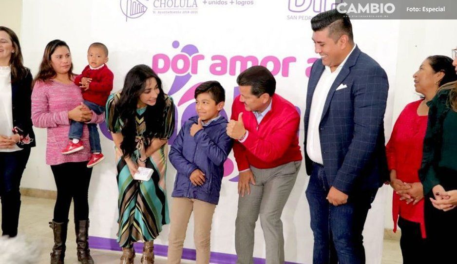 A través de Por Amor a Cholula, DIF Municipal de San Pedro Cholula entrega 80 equipos auditivos