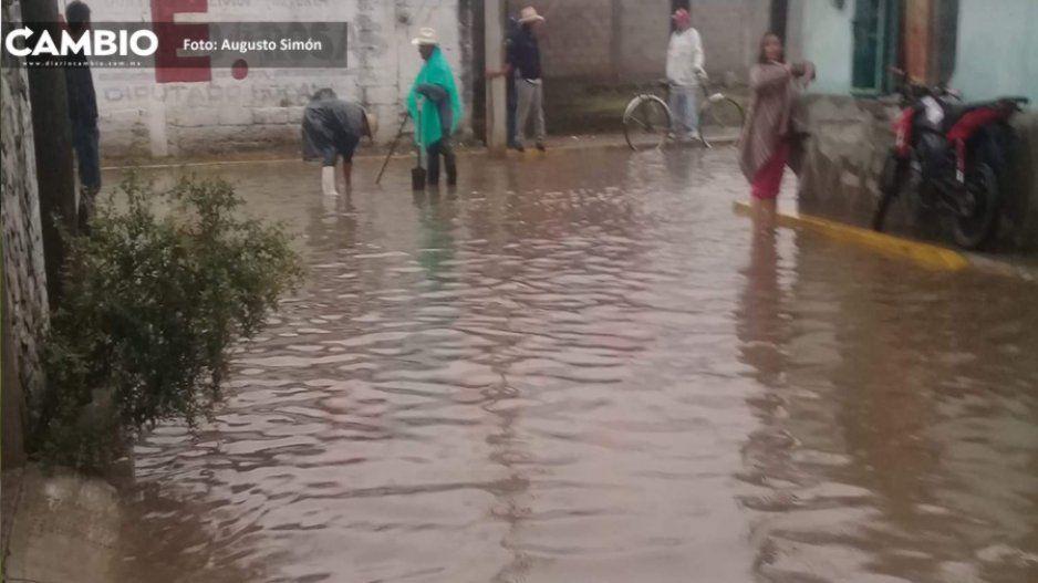 Se inundan calles en La Purisima en Tecamachalco Marisol Cruz no regresó desde campaña: vecinos
