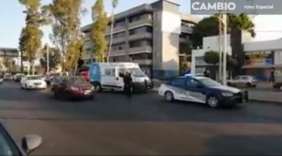 Motociclista choca contra patrulla de Seguridad Pública