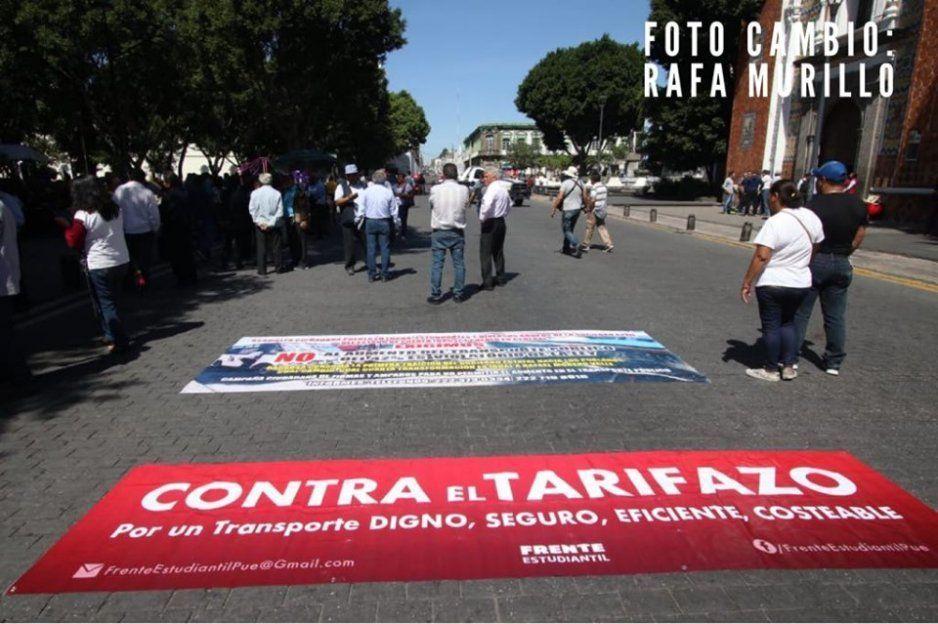 Fracasa otra vez manifestación contra el tarifazo; hasta intentaron colarse en la Marcha de las Putas (VIDEO)