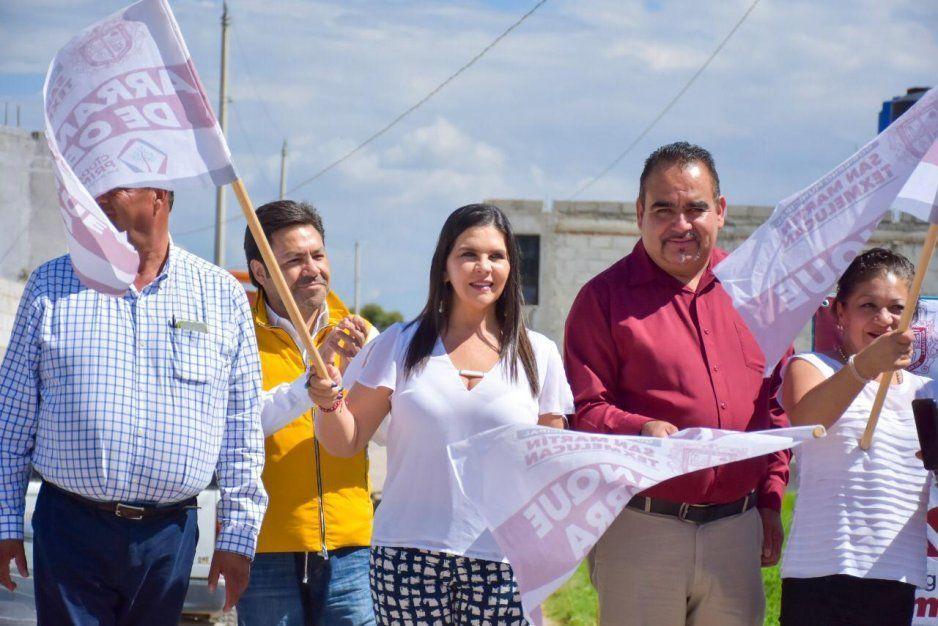 Norma Layón da banderazo de inicio de obra vial en Tlanalapan, Texmelucan