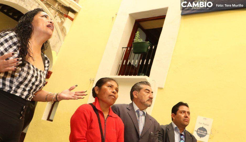 Ladies Chalchihuapan obligan a gritos a que el presidente de la CDH las atienda
