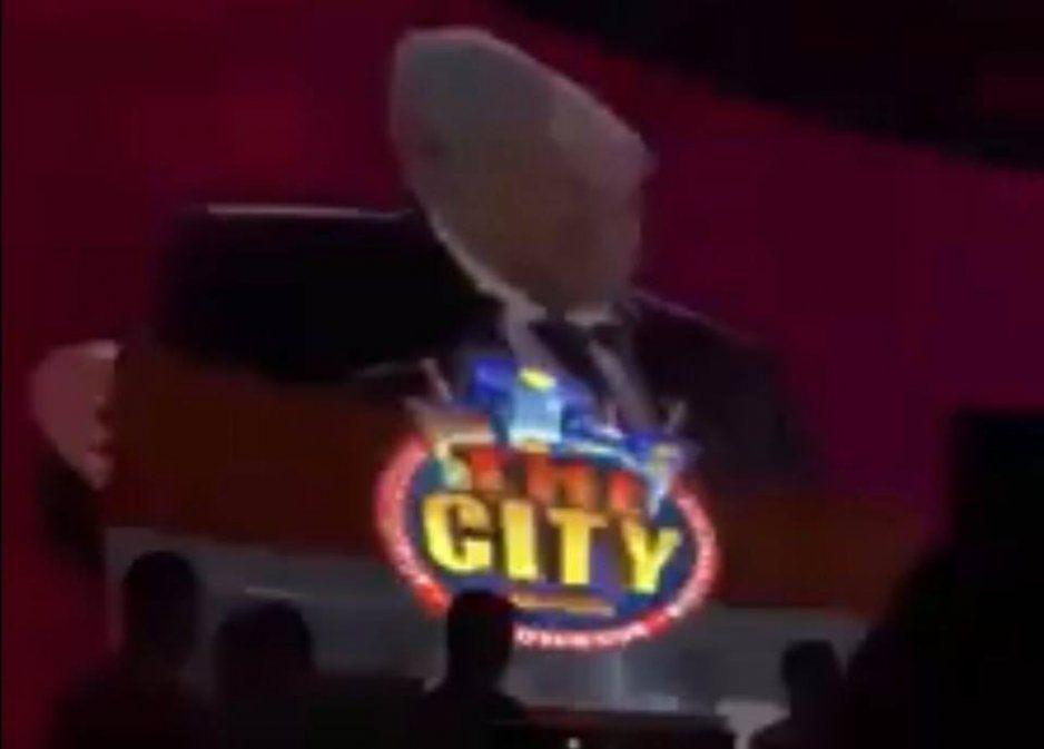 ¡Remix entre AMLO y Daddy Yankee causa furor en antro de México!