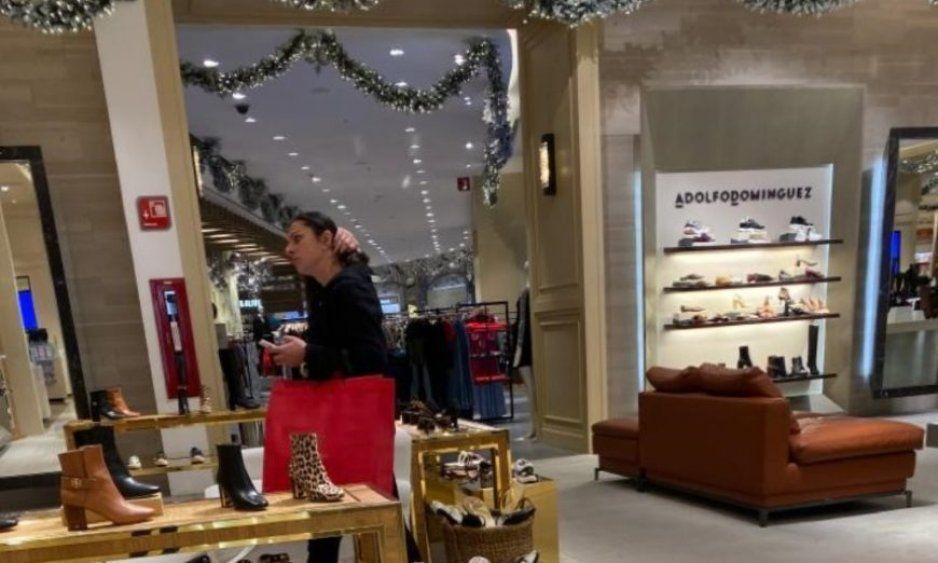 Captan a Ana Guevara de compras en Palacio de Hierro Polanco, en horario laboral y a unos metros de la Conade