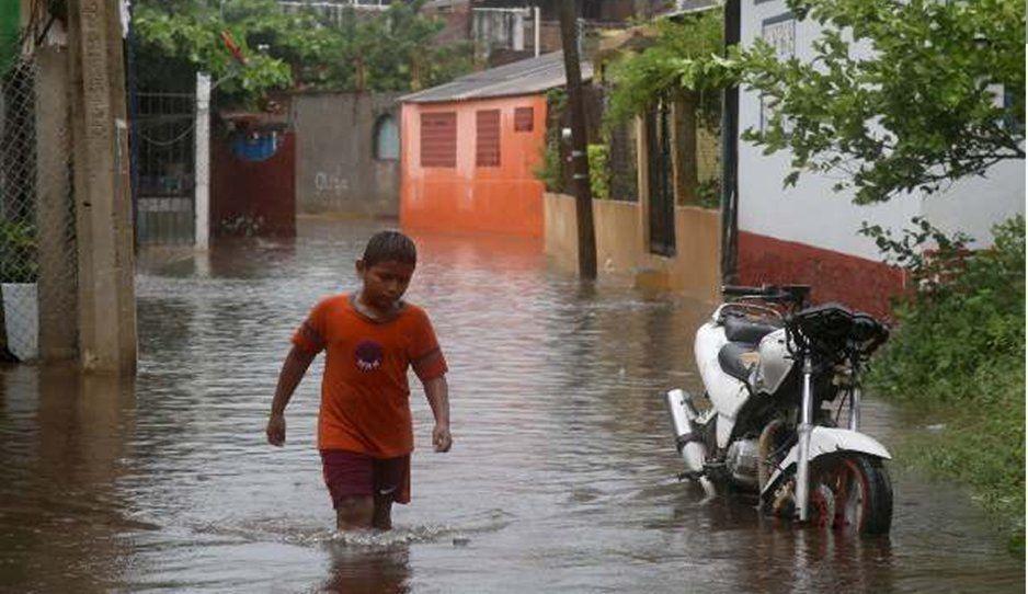 Declaran en emergencia 38 municipios de Oaxaca por tormenta Narda