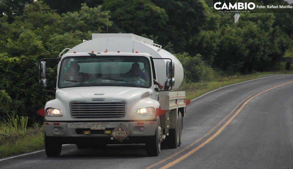 Presidente hace a un lado a Pemex: pipas serán controladas por Sedena