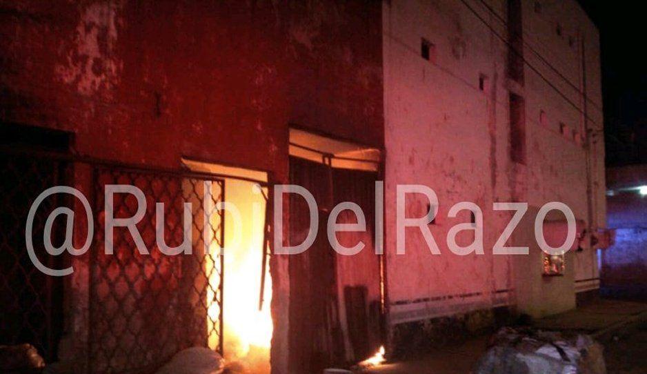 Se incendian baños San Joaquín en la colonia Cleotilde Torres