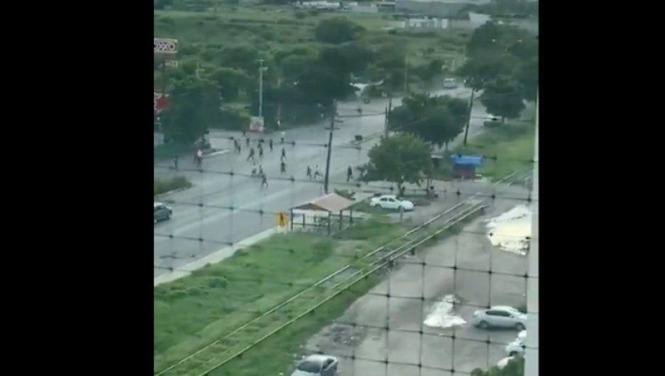 Se fugan internos del penal de Aguaruto tras balaceras en Culiacán (VIDEO)