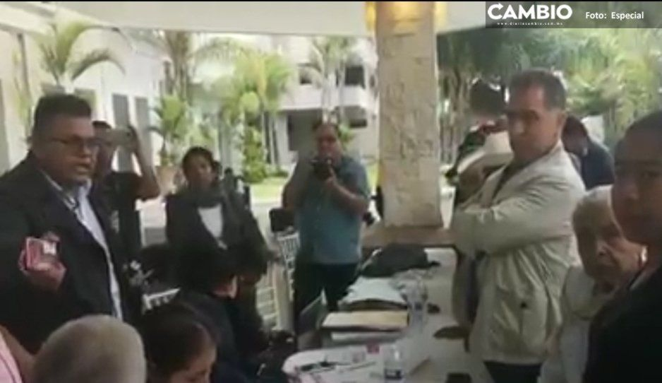Encontronazo en asamblea de Morena del distrito 10 de Cholula: Bracamonte no aparece en el padrón (VIDEO)