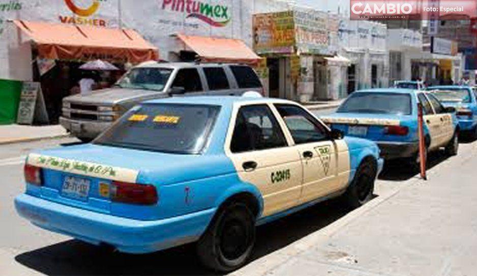 A punta de pistola roban taxi en Izúcar