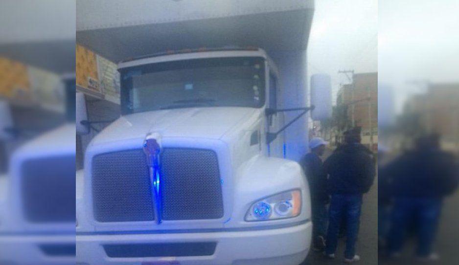 Recuperan camión con electrodomésticos en Texmelucan