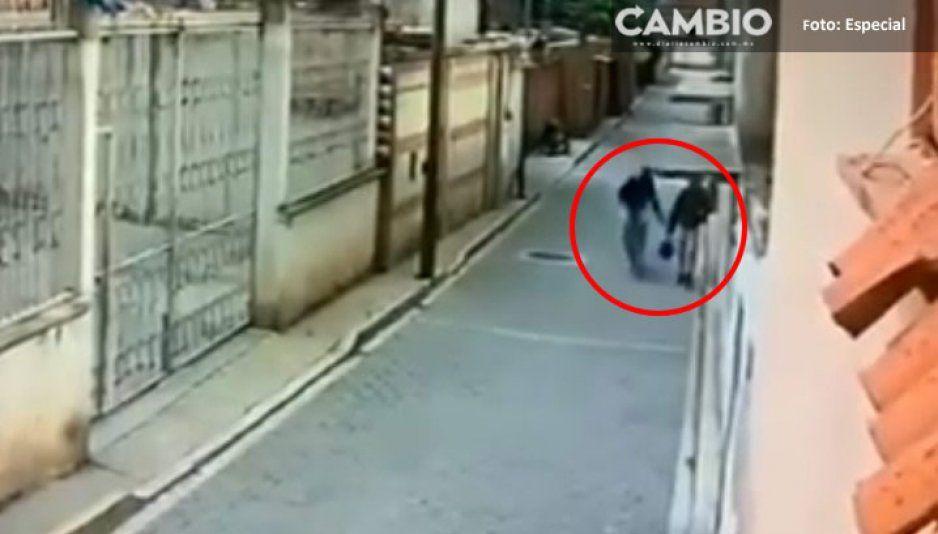 Detienen a depravado sexual: Nalgueó a una mujer en Santa Ana Xalmimilulco (VIDEO)