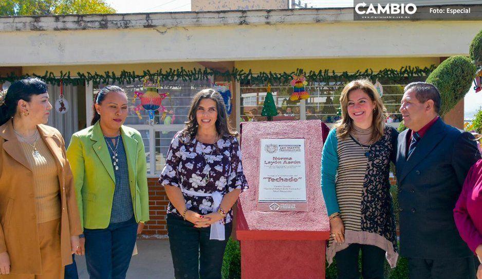 Norma Layón entrega domo a centro  escolar de San Martín Texmelucan