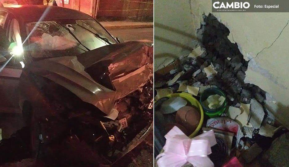 Ebrio al volante se impacta contra casa en San Andrés y deja su auto hecho pedazos