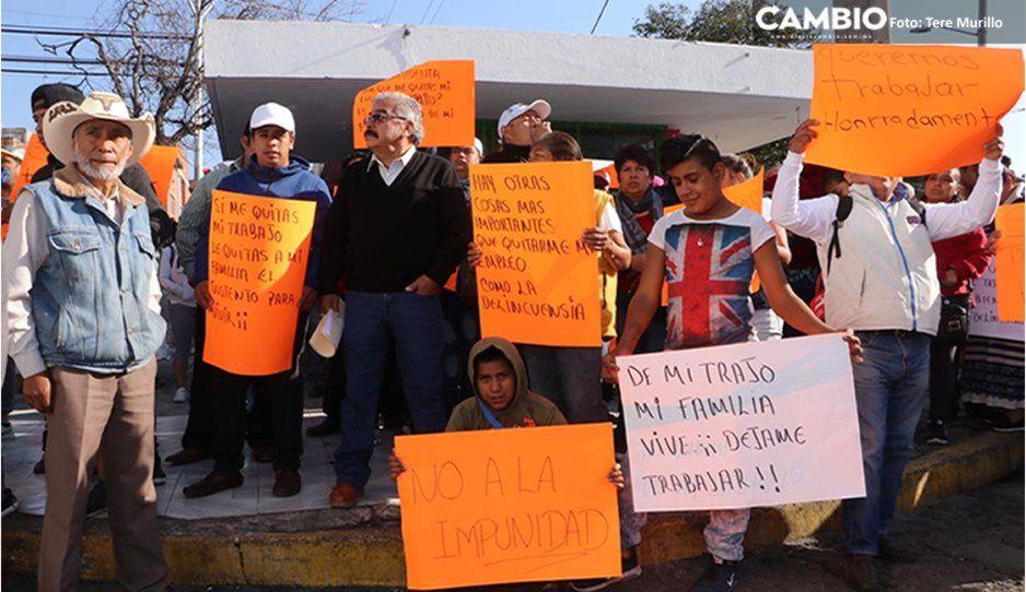 Barren La Margarita de ambulantes; se manifiesta la Doroteo Arango (FOTOS y VIDEO)