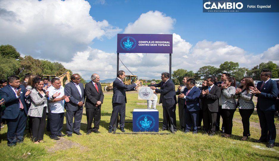 Esparza inaugura edificio TEP 4 de la prepa del Complejo Regional Centro en Tepeaca