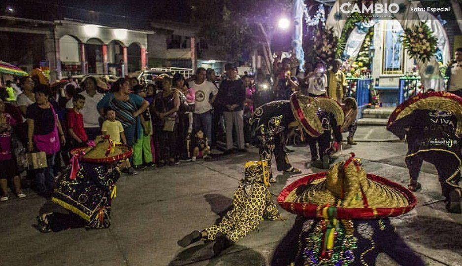 ¡A falta de recursos federales! Tehuacán combaten el dengue con la danza del zancudo (VIDEO)