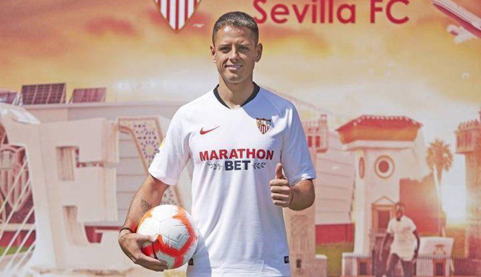 Chicharito: Llegar al Sevilla es como al Manchester o Madrid