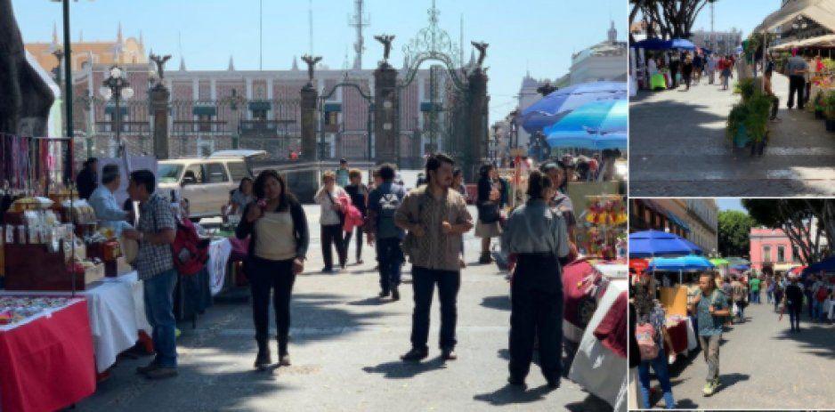 Ambulantes invaden zócalo de Puebla disfrazados de la Feria del Libro ¡pero ninguno vende libros!