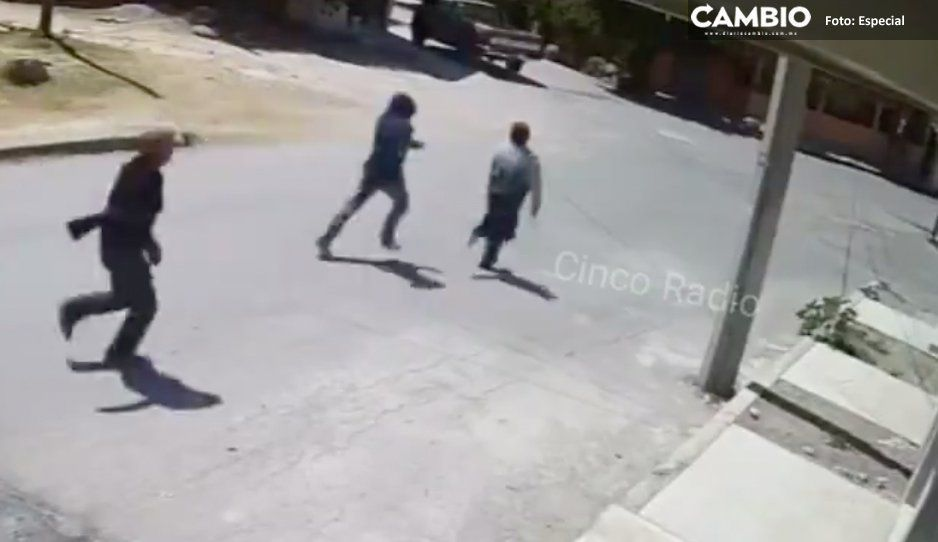 ¡Indignante! Abuelita es perseguida y arrojada al suelo durante asalto (VIDEO)