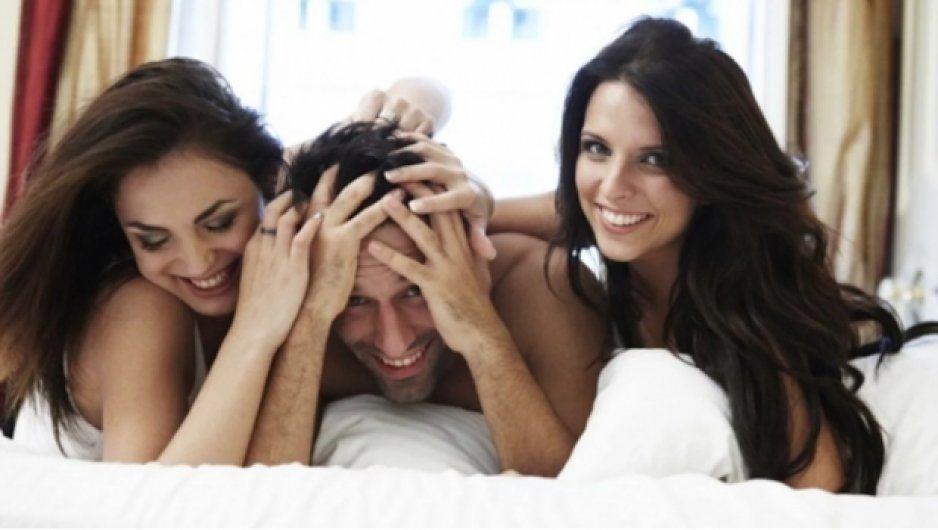 #InformaciónQueCura Tips para hacer un trío sexual con tu mejor amiga