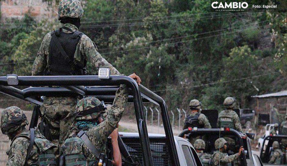 Militares y delincuentes se enfrentan en San Mateo Tlaixpan; recuperan dos tractocamiones