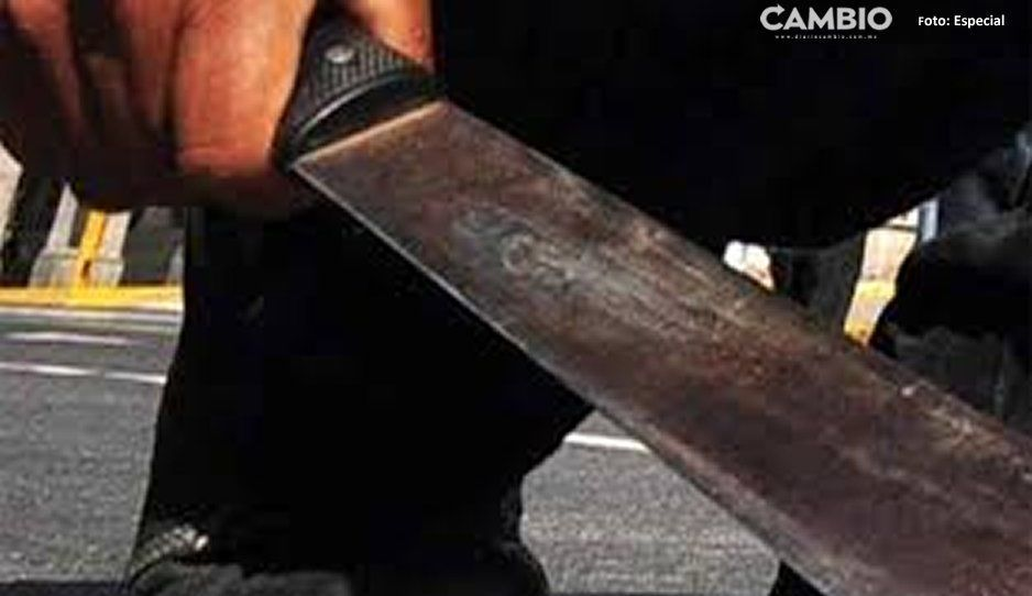 Por evitar asalto, recibe machetazo en la cabeza en Teziutlán
