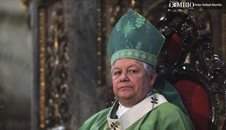 Familiares violan más niños que los sacerdotes: Arzobispo de Puebla