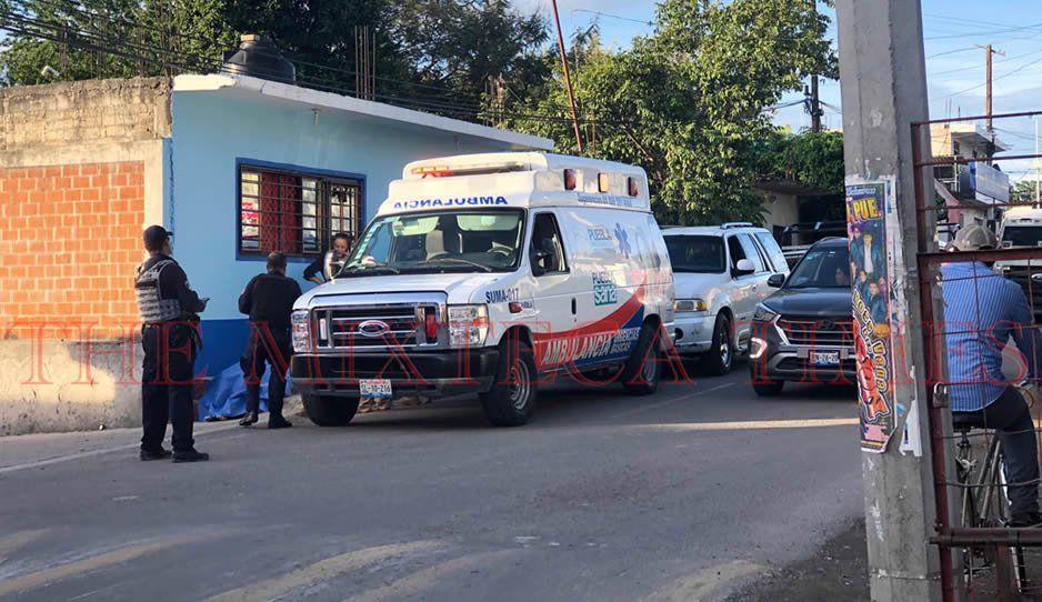 Ancianita muere en plena vía pública de Izúcar por un infarto