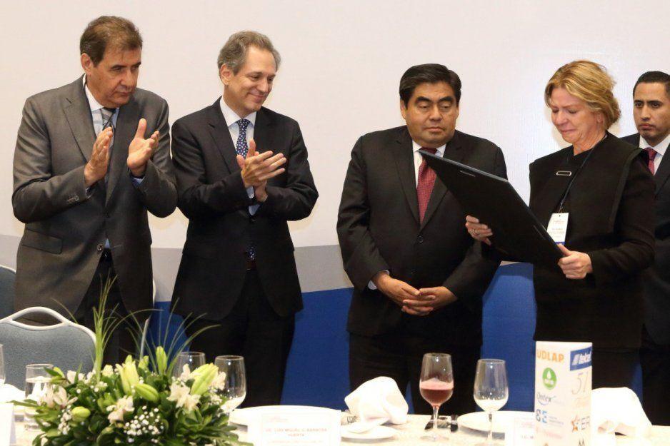 Anuncia Barbosa creación de agencia estatal de energía (VIDEO)