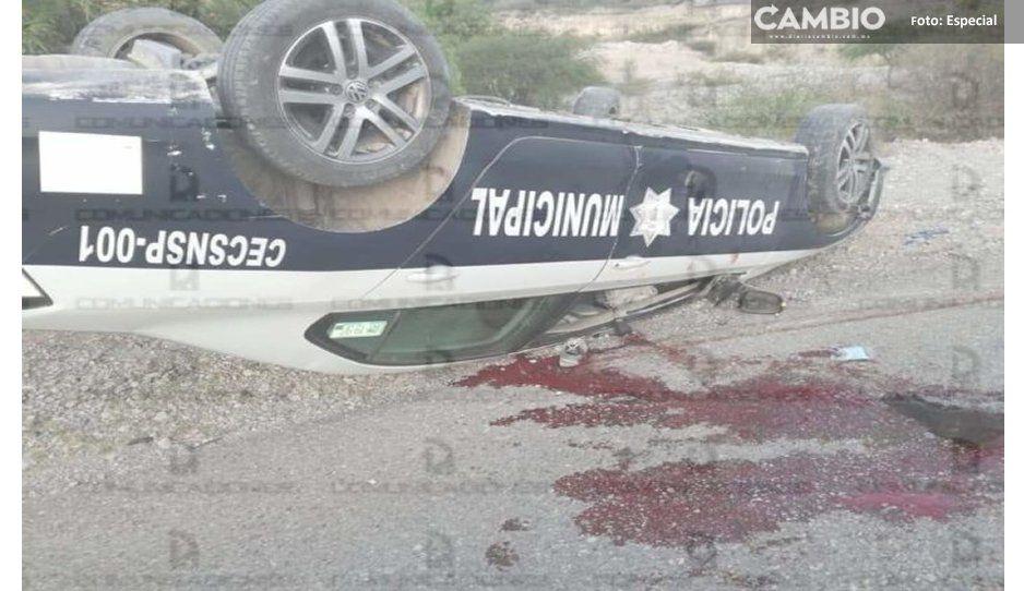 Un policía muerto y un herido tras aparatosa volcadura en Tehuacán