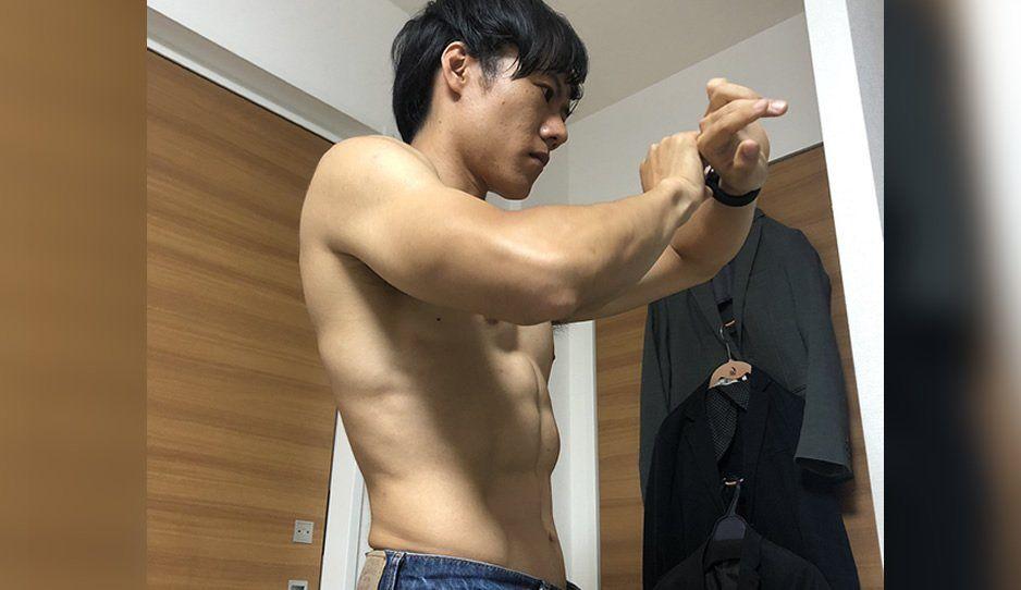 ¿Quieres un abdomen así? Este joven japonés compartió su secreto (VIDEO)