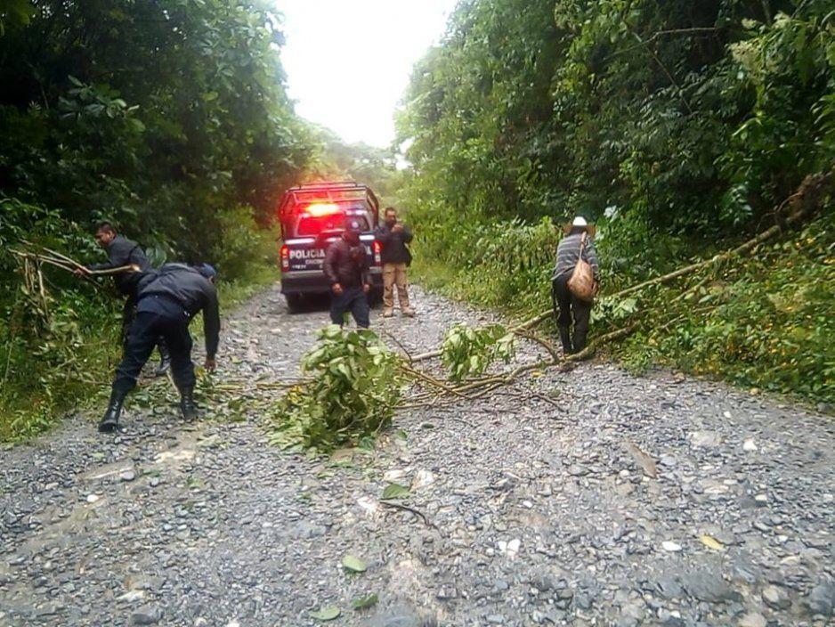 Alertan en Chiconcuautla derrumbes ocasionados por las lluvias que se han presentado en la Sierra Norte de Puebla