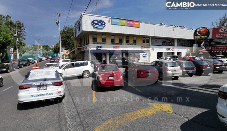 Sujeto armado despoja violentamente de su auto Volkswagen Golf a una mujer en Zavaleta