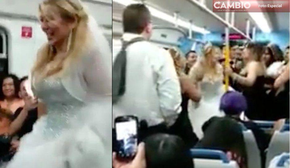 Novios festejan su boda en el metro y se vuelve viral (VIDEO)
