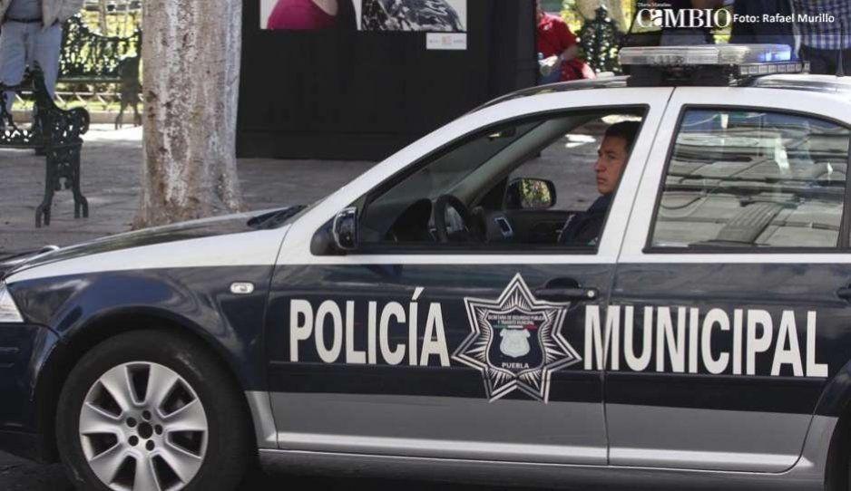 ¡Ni los policías están seguros! Asaltan a Estatal y le quitan dos armas en la Benito Juárez