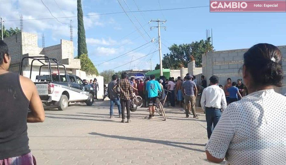 Casi linchan a policías en Ajalpan; los oficiales habían atropellado a dos motociclistas