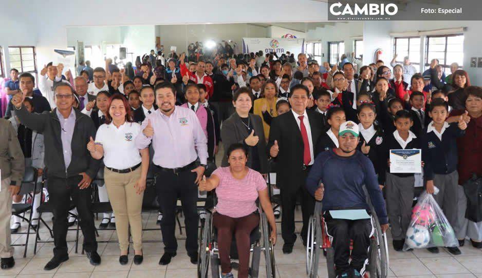 Ayuntamiento de Atlixco reconoce a escuelas  participantes en desfile del 20 de Noviembre