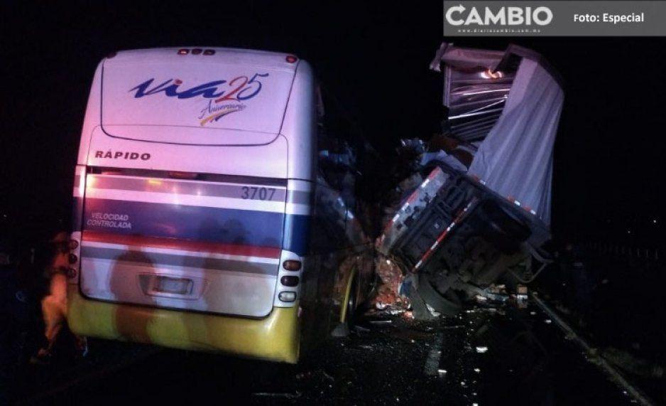 Accidente en la pista Teziutlán-Virreyes deja un muerto y 26 heridos