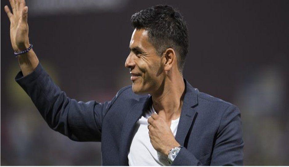 Le llueven las críticas a Oswaldo Sánchez tras su comentario en transmisión del Clásico Nacional