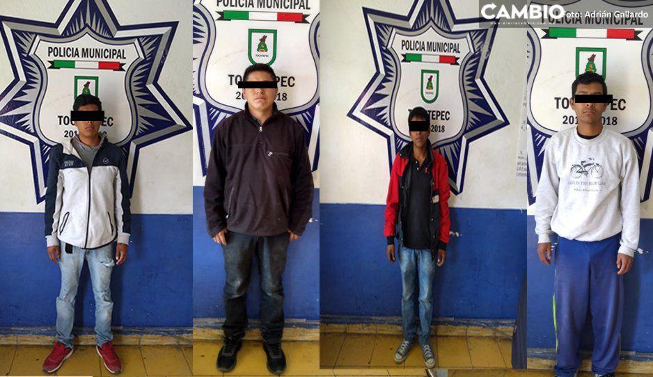 Detienen a narcomenudistas cerca de escuela en Tochtepec