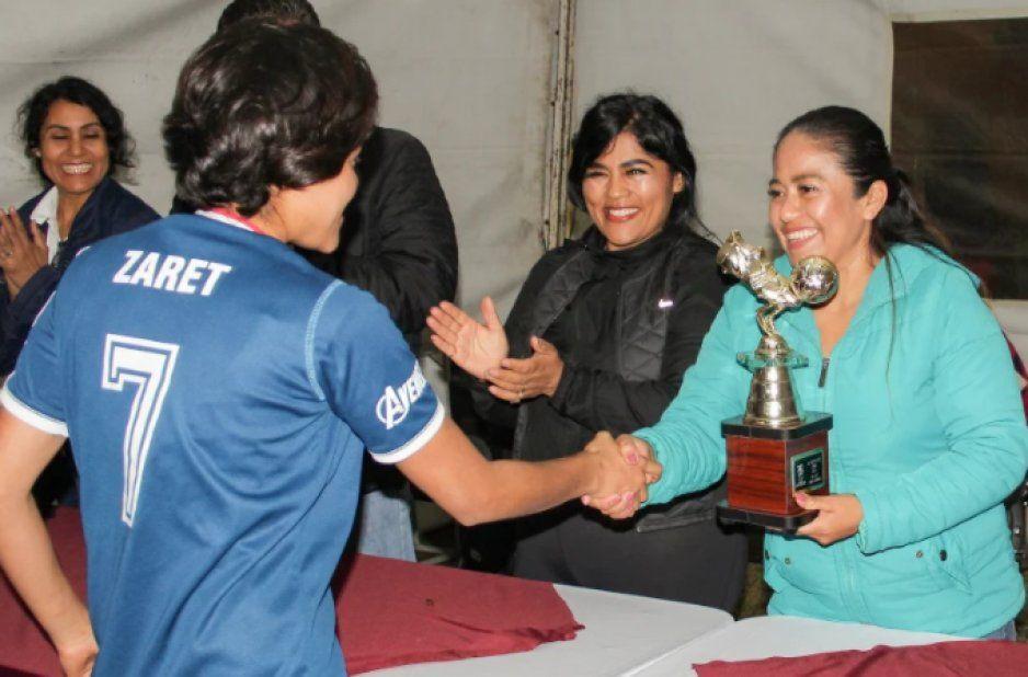 Lupita Daniel impulsa el deporte en Cuautlancingo