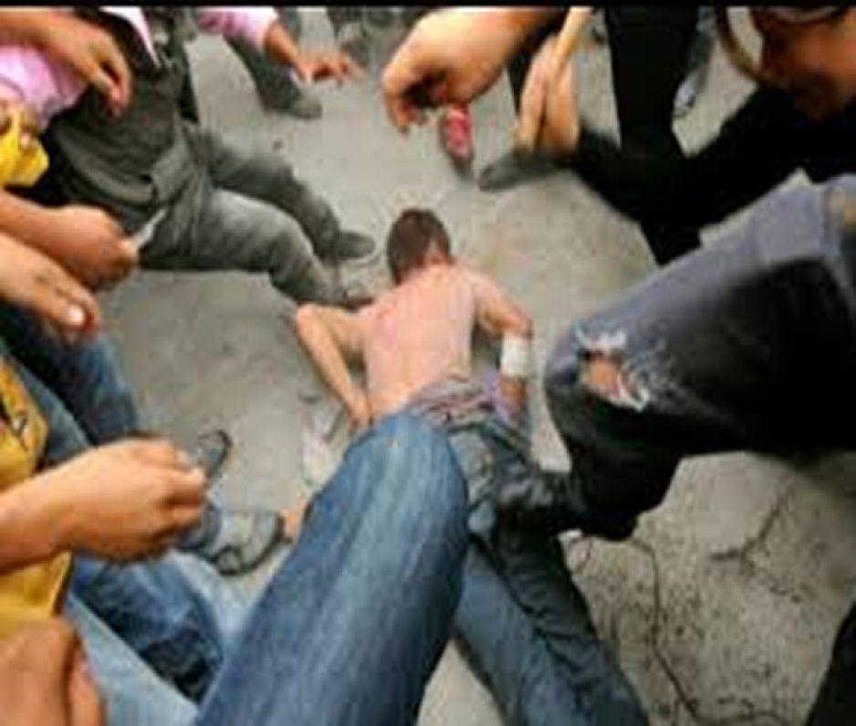 Policías rescatan a sujeto de ser linchado en Texmelucan por intento de robo