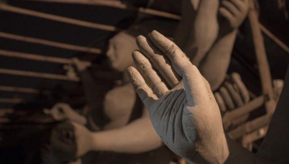 ¿Será una bruja? Nace con 20 dedos en los pies y 12 en las manos (FOTO)