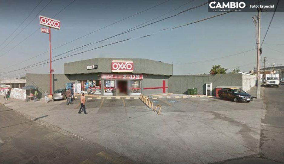 Delincuentes amarran a empleados durante asalto a Oxxo en Consorcio