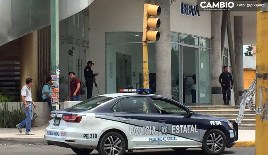 Encañonan a cuentahabiente y le roban 13 mil pesos al salir del Bancomer en Prolongación de la 14 Sur