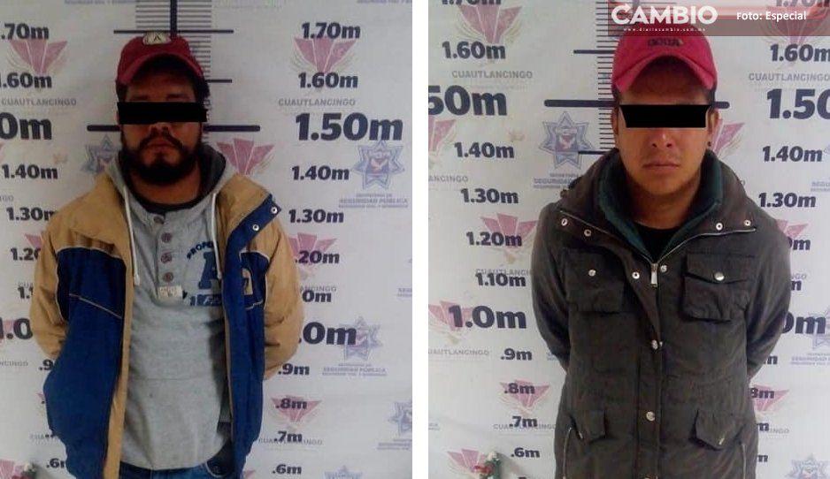 Seguridad Pública Municipal de Cuautlancingo, aseguró a dos hombres con hidrocarburo