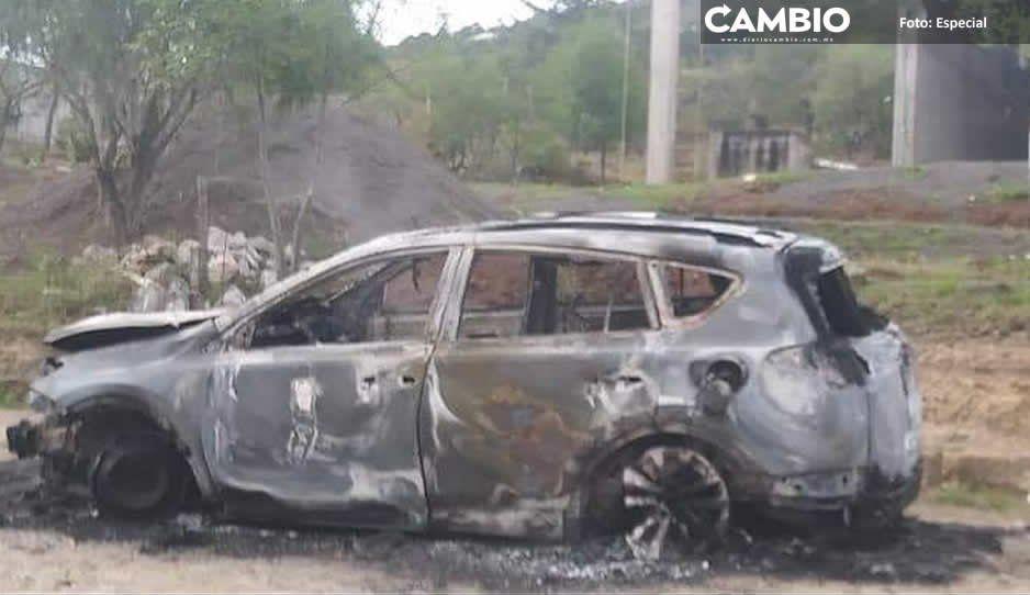 Hombre se salva de ser linchado y queman camioneta en Amozoc
